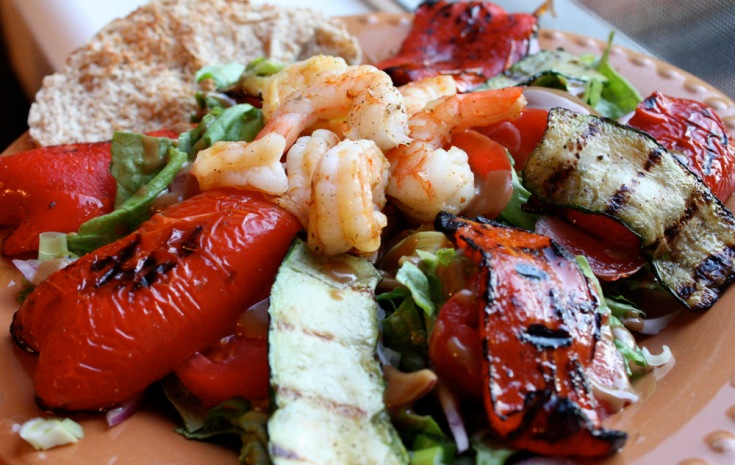 Grilled shrimp & vegetable salad